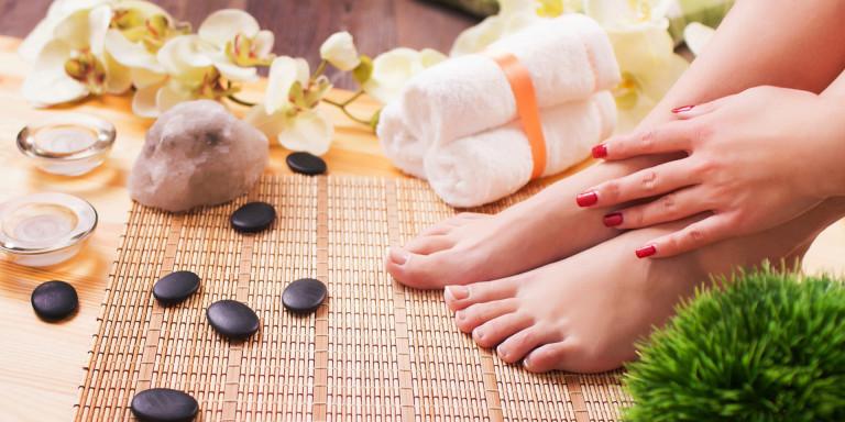 Manicure, Pedicure & uiterlijke verzorging - Pedicure & More By Manon